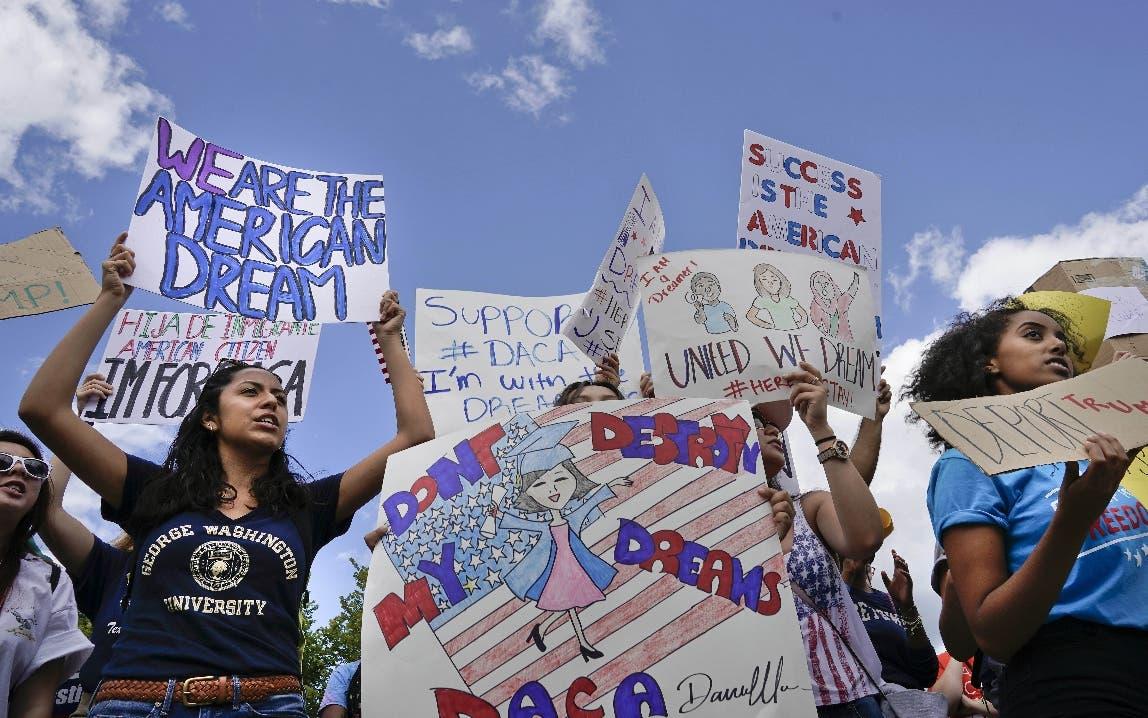 """Miles de personas  se manifiestan en Nueva York en defensa de los """"soñadores»"""