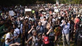 Parte de las personas que protestaron en el Lincoln Park durante la marcha  por la justicia racial en Washington. AFP