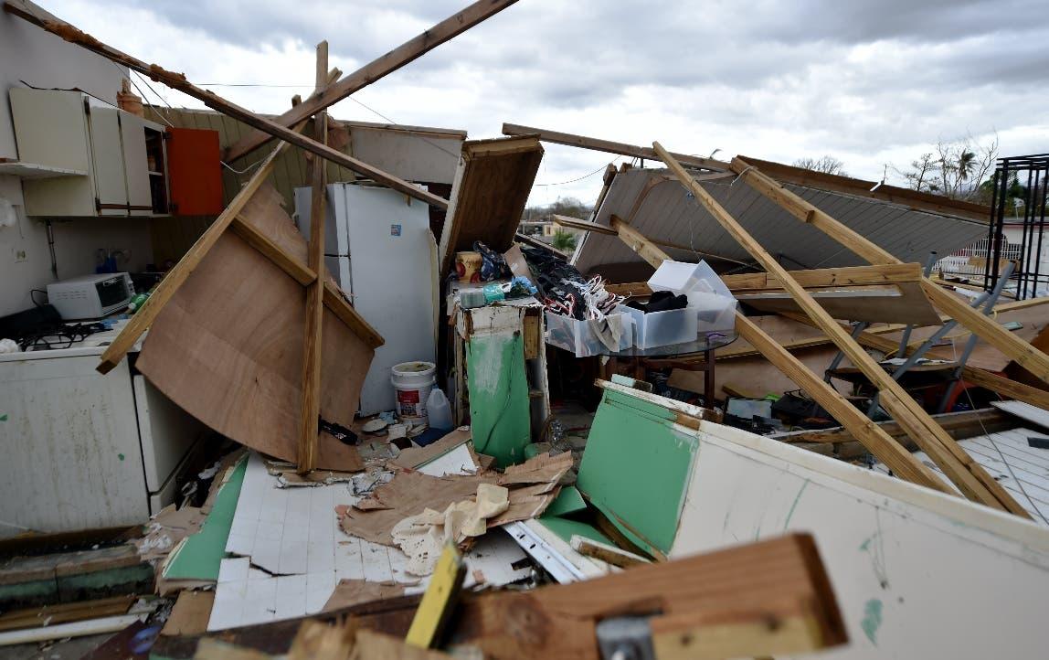 Puerto Rico dice que se quedará sin dinero por huracán María