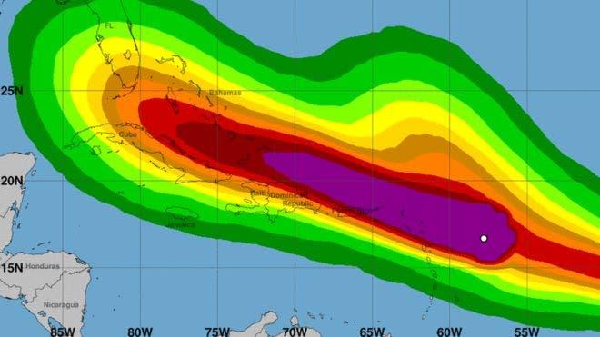 Por qué los huracanes como Irma se hacen mucho más fuertes sobre el agua que sobre la tierra