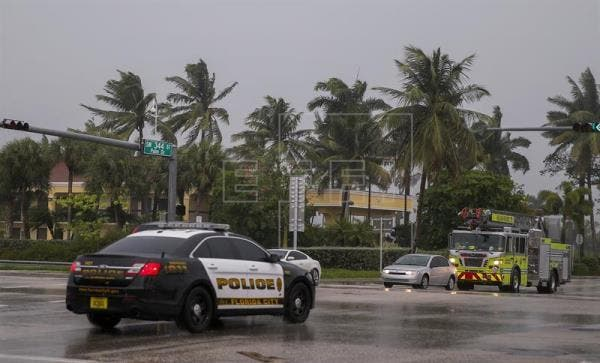 La Patrulla de Carreteras de Florida indicó que se trató de un choque frontal cuando las condiciones meteorológicas comenzaban a deteriorarse debido al huracán, aunque todavía hay que investigar lo sucedido.
