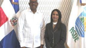 El alcalde de Santo Domingo Este, Alfredo Martínez, y la directora del Intrant, Claudio Franchesca de los Santos. Foto: Fuente externa.