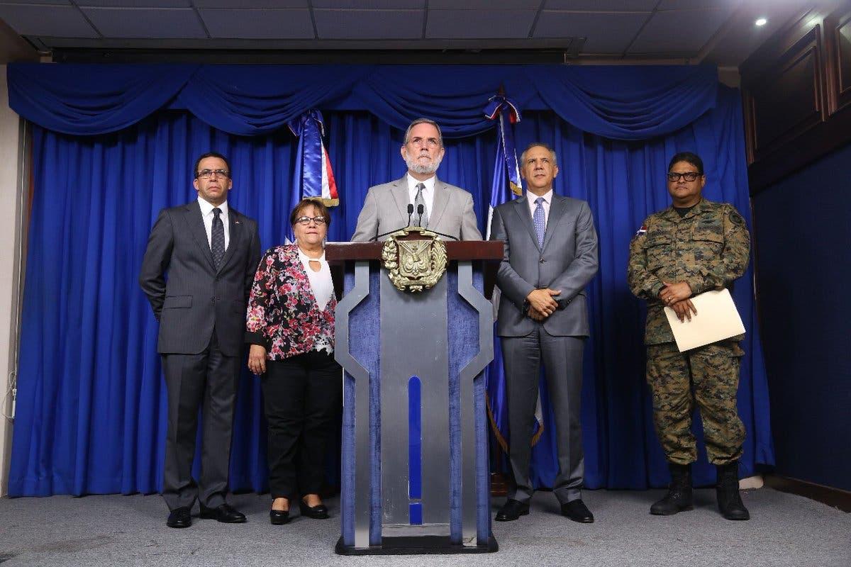 Gobierno suspende actividades laborales mañana jueves por huracán Irma