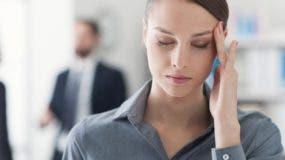 Los tipos de dolores de cabeza comunes incluyen cefaleas tensionales, migraña o cefalea en brotes, dolores de cabeza sinusales y dolores de cabeza que empiezan en el cuello.