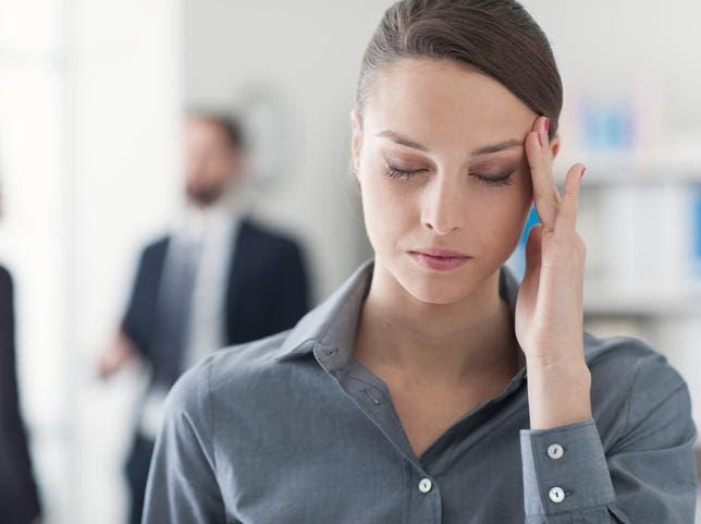 Te mostramos 10 situaciones que te provocan dolor de cabeza (y cómo evitarlas)
