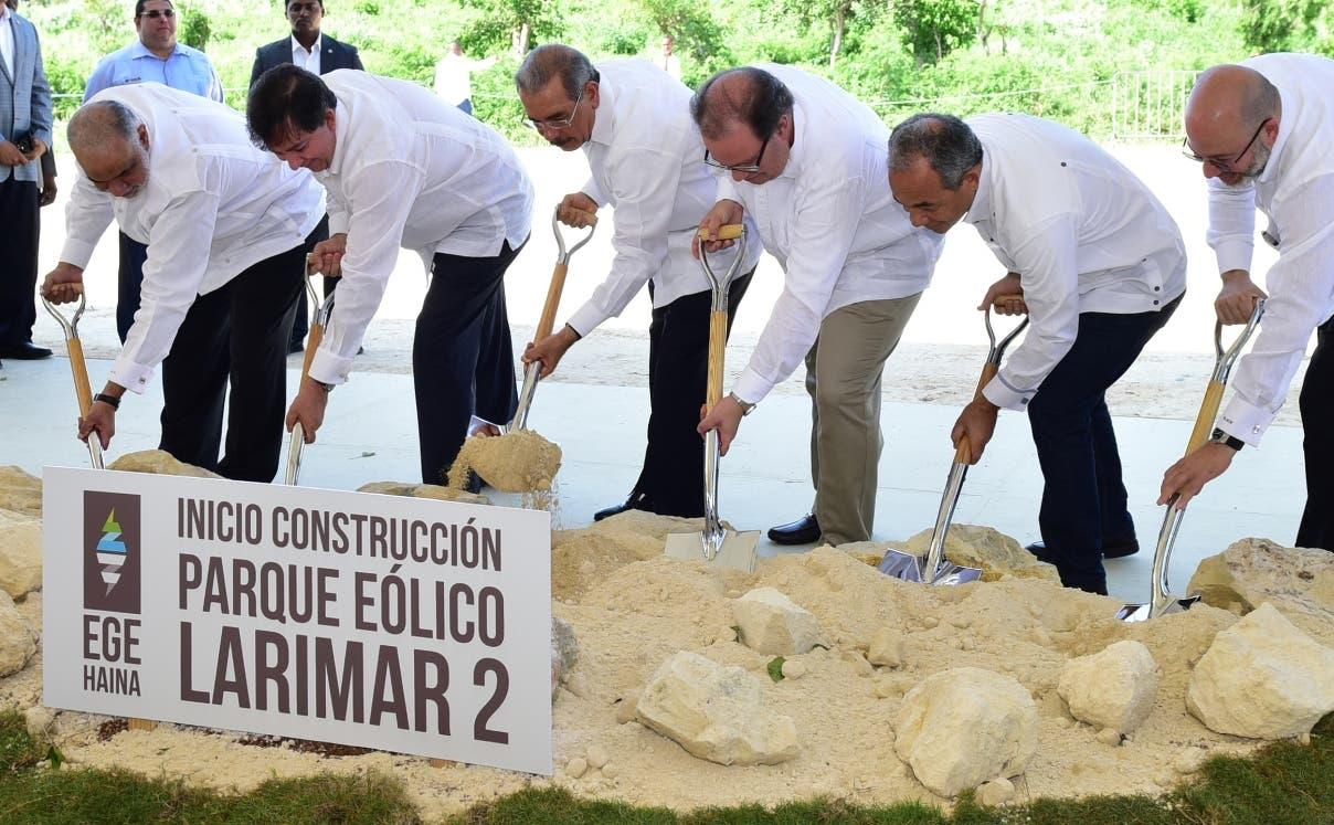 Inician trabajos de construcción del parque eólico Larimar 2