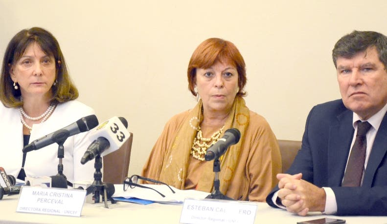 Luisa  Carvalho, María Cristina Perceval y Esteban Caballero.