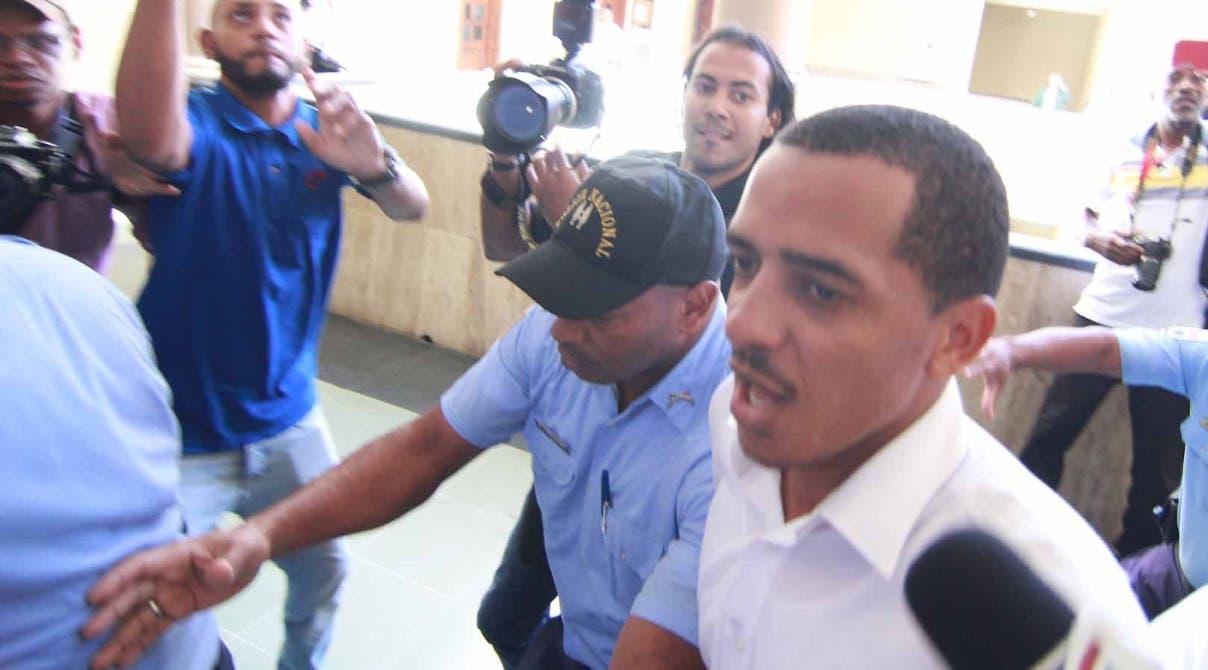 Yimy Zapata ofrece declaraciones en el Palacio de Justicia de Ciudad Nueva sobre su acusación.