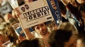 Las manifestaciones en las calles desbordan la capacidad de negociación del gobierno español.