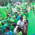 Con diversos objetos,   manifestantes mostraron  rechazo a  la corrupción.