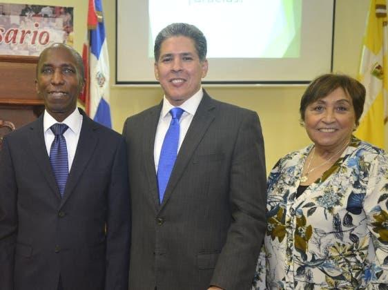 Andrés de las Mercedes, Alexis Fradera y Carmen  López.