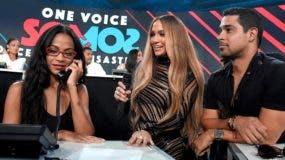 Zoe Saldaña, Jennifer López y Wilmer Valderrama toman llamadas en la parte del teletón.