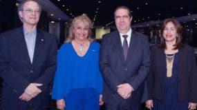 Manuel A. Grullón, Rosa Hernández de Grullón, Francisco Javier García y Jeannis Hernández de García.