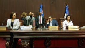 Maldonado dijo hoy que ese órgano legislativo le retendrá el cheque a los legisladores que no han hecho su Declaración Jurada de Bienes. Foto: Degnis De León.