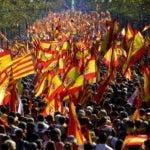 Entre 300 mil y 1,1 millones de catalanes se manifestaron ayer por la unidad de España  en el centro de Barcelona.