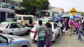 Cada día miles de estudiantes acuden a la sede central de la UASD utilizando las diferentes rutas del transporte público, incluyendo el Metro de Santo Domingo. Elieser Tapia