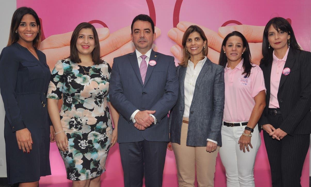 Arianne Dávila, Raquel Cueto, Andrés Mejía, Ana María Ramos, Doris Alburquerque y Mirla Estévez.