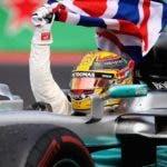 El piloto británico Lewis Hamilton recorre la pista del autódromo Hermanos Rodríguez en México.