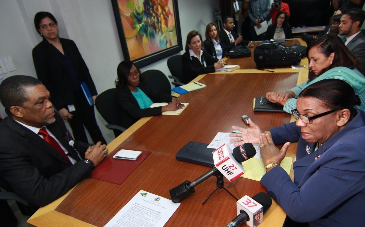 El cuerpo de auditores dispuesto por la Cámara de Cuentas realizó ayer su primera reunión.