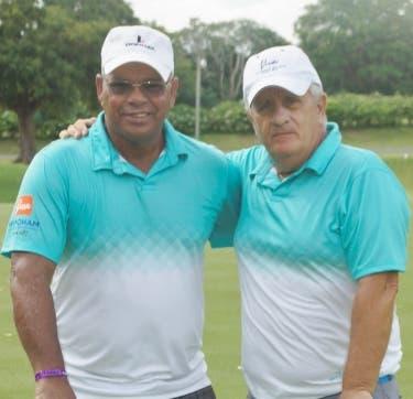 Jugadores del torneo de golf.