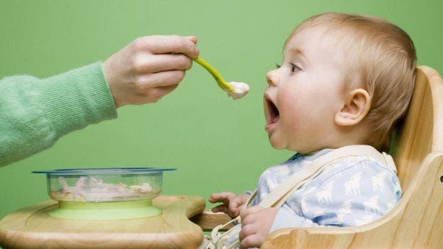Se pueden requerir entre cinco y 15 repeticiones para que acepte un alimento.