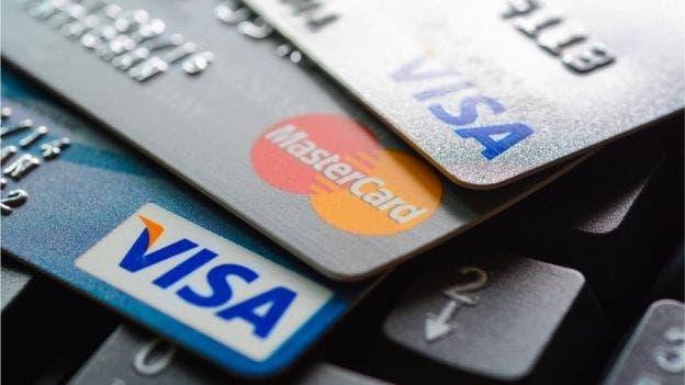 Las tarjetas de crédito pueden llegar a cobrarte hasta un 20% de interés al año.