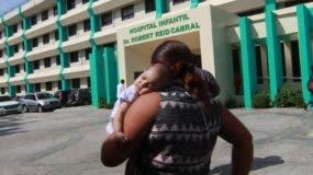 Algunas madres reclamaron al Gobierno buscar una solución.