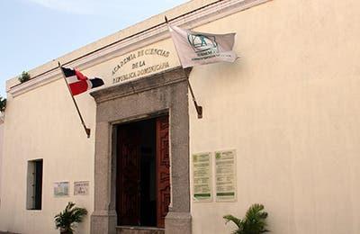 Academia de Ciencias presentaPanel Ecología Integral:Visión Internacional y Visión Local