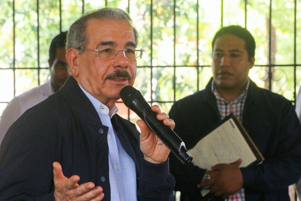 Danilo Medina brinda apoyo financiero a proyectos de mujeres rurales