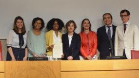 Reconocen por una universidad española a la dominicana Kenia Del Orbe en la defensa de su tesis doctoral sobre los diputados de ultramar.