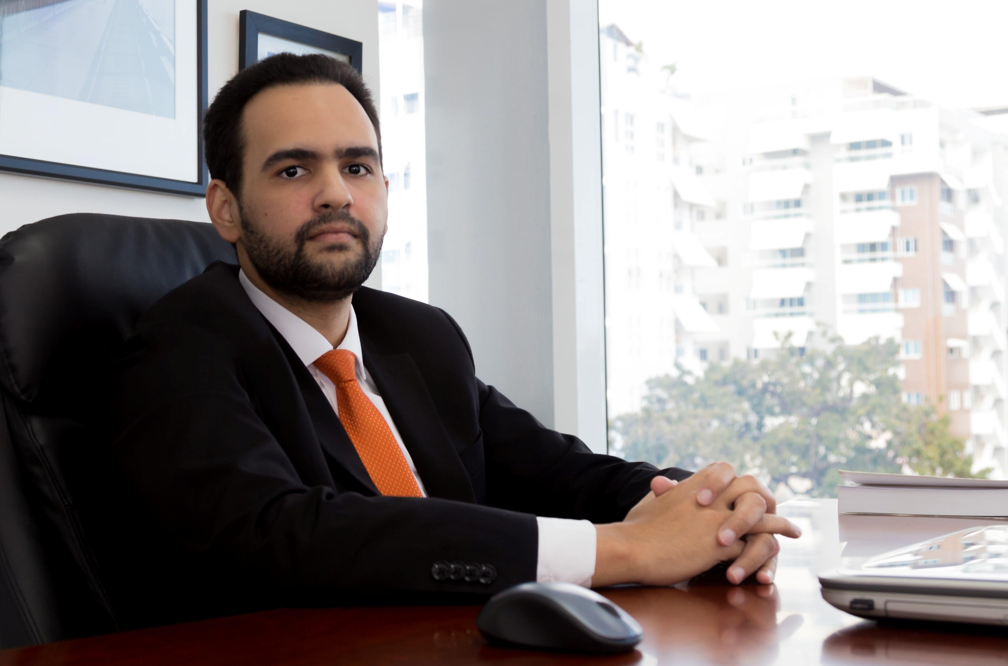 El abogado Franklyn José Hernández Bretón dijo que el dominicano no tiene percepción  de pagar impuestos, porque sabe que no tendrá ningún tipo de consecuencia inmediata y mucho menos recibirá un constante monitoreo.