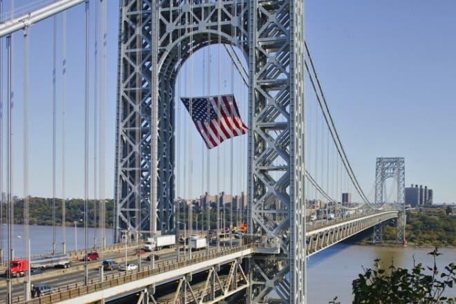 instalaran-vallas-puente-gw-en-alto-manhattan-para-evitar-mas-suicidio