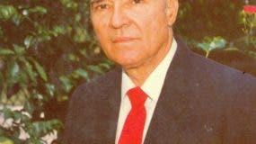 Lupo Hernández Rueda falleció a sus 87 años de edad.