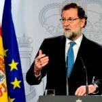 """""""Son estas horas de ánimos exaltados en las que importa mucho la prudencia y serenidad"""", afirmó Rajoy.   / AFP / JAVIER SORIANO"""