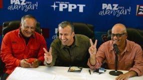 De izquierda a derecha los miembros de la Asamblea Constituyente Diosdado Cabello, Tareck El Aissami y  Jorge Rodriguez, durante una rueda de prensa en Caracas.