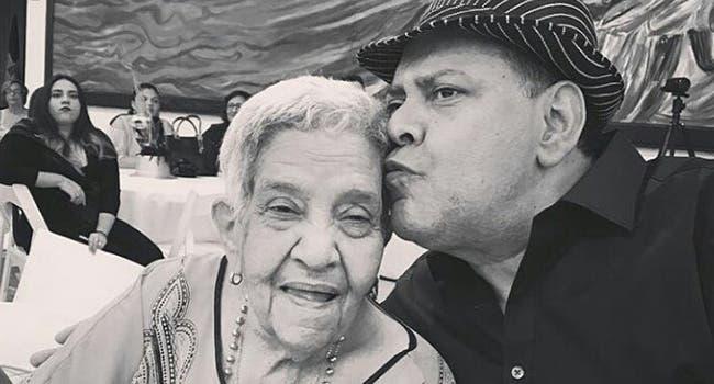 Hace una semana el cantante había pedido una cadena de oración por la salud de su madre.
