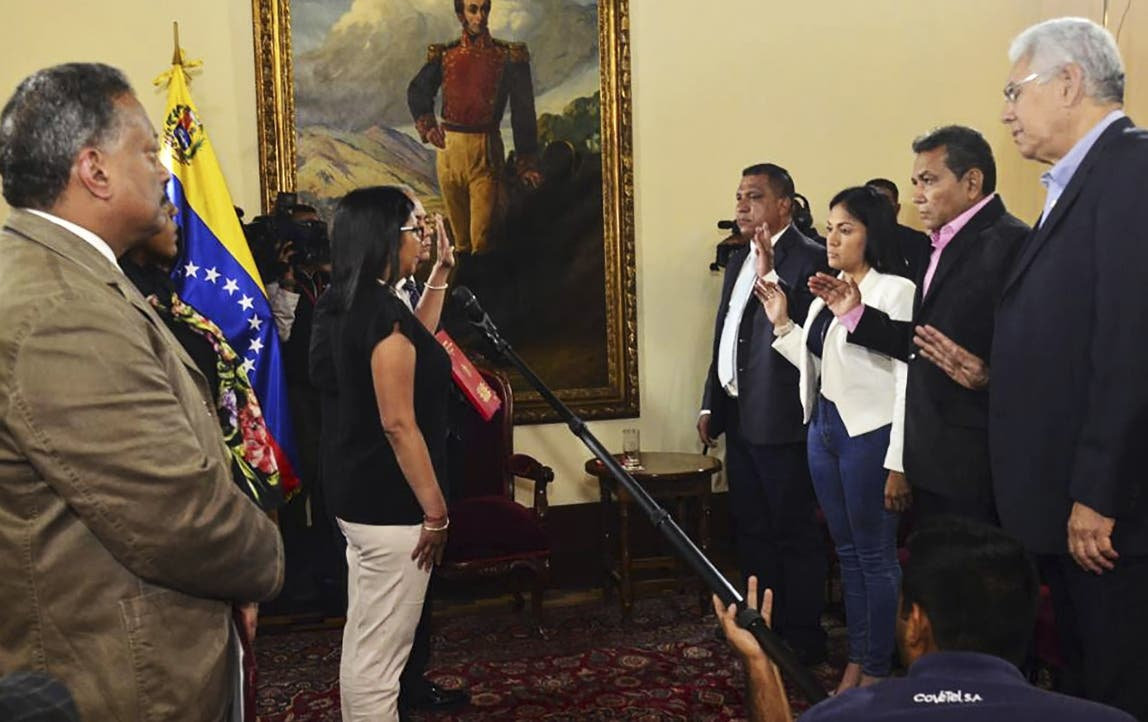 Maduro reconoce a los 4 gobernadores opositores que juraron ante Asamblea Constituyente