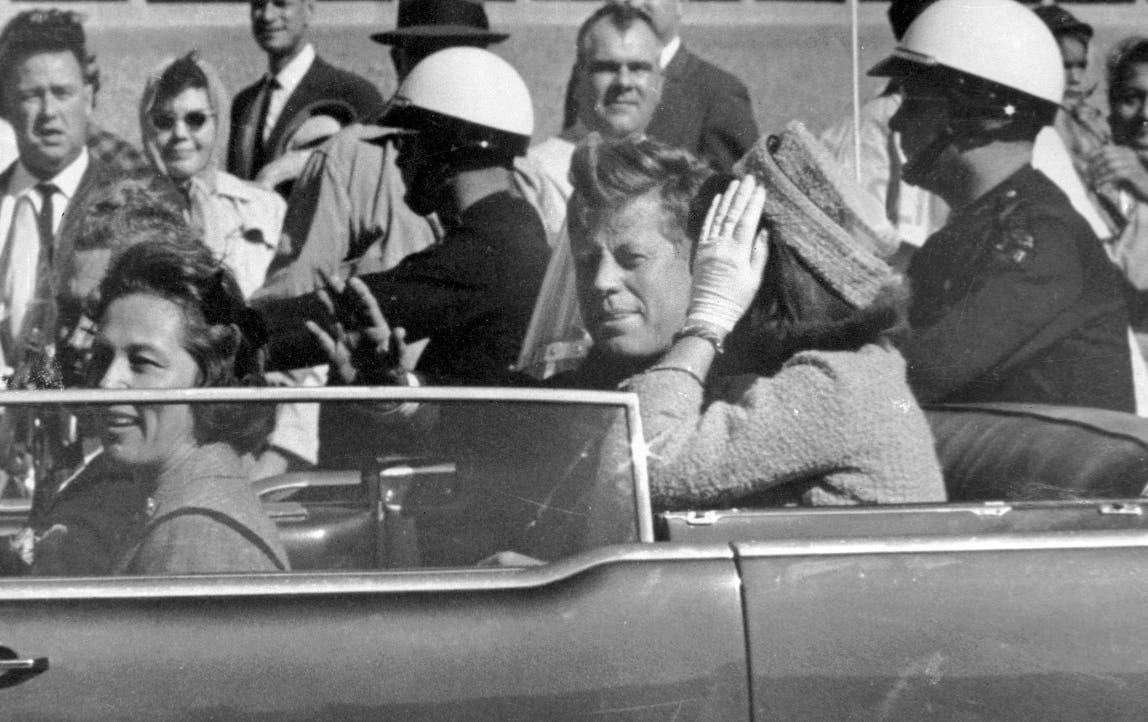 Trump retrasa publicación de algunos archivos sobre John F. Kennedy