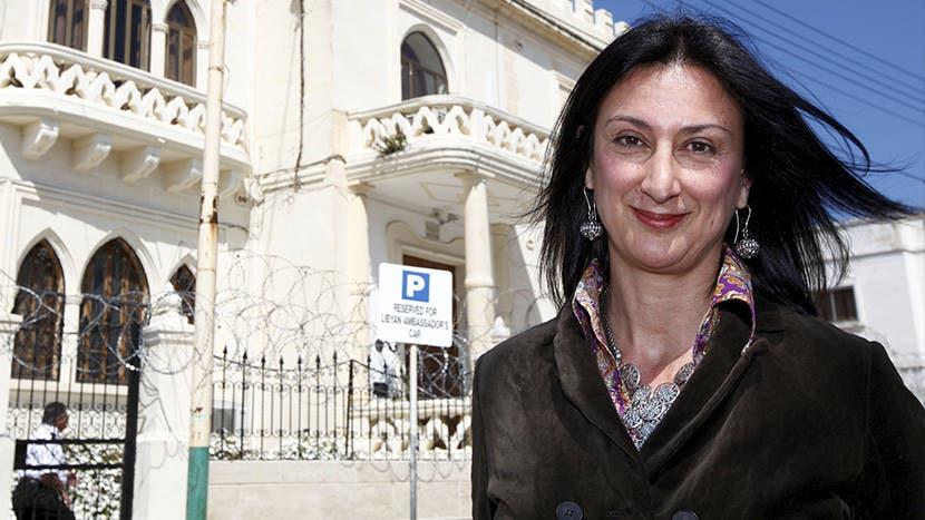 Muere periodista por bomba en su auto en Malta