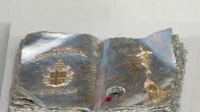 Los ladrones, que entraron al lugar haciéndose pasar por turistas, también robaron cálices, candelabros y objetos litúrgicos.