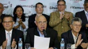 Los delegados del gobierno y la oposición ya se han reunido en varias ocasiones en Santo Domingo tratando de llegar a un acuerdo.