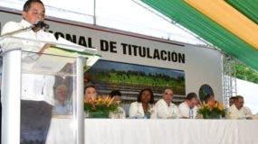 Emilio Toribio pronuncia discurso en actividad en Espaillat.
