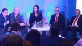 En el foro  asupiciado  los panelistas enfatizaron sobre la necesidad de garantizar la seguridad.