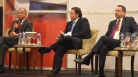 Bichara participó en un desayuno sobre el sector eléctrico de la Cámara de Americana de Comercio.