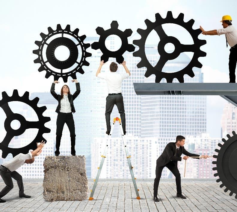 Se debe  promover  la creación de nuevos negocios.