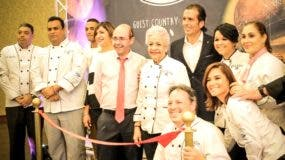 Grupo de chefs junto a Javier Cordero, director del hotel Barceló Palace.