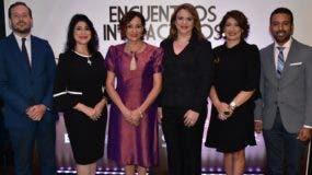 Eduardo Hernández, Amelia Reyes, Lady Reyes, María Isabel Grullón, Lara Guerrero y Ricardo Pichardo.