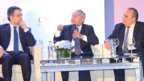 El exsuperintendente de Pensiones de Chile Julio Bustamente  recomendó diversificar las inversiones de los fondos de pensiones.
