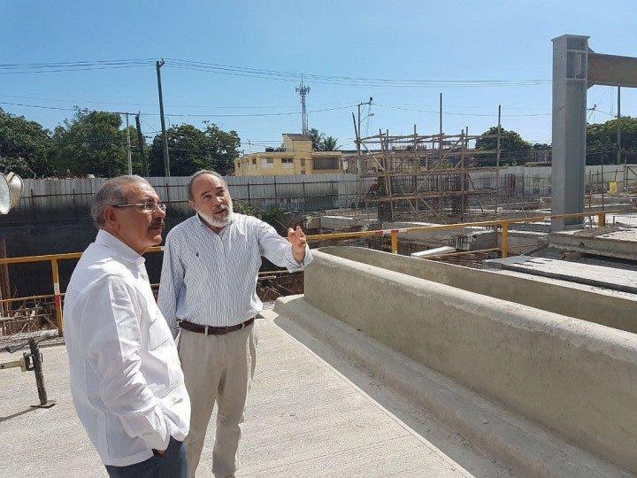 El presidente Danilo Medina supervisa avances Hospital Moscoso Puello y Luis Eduardo Aybar