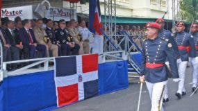 Autoridades civiles y militares encabezaron actos conmemorativos de la Carta Magna.